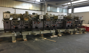 Dismantling and loading planing maschine WACO Dominant